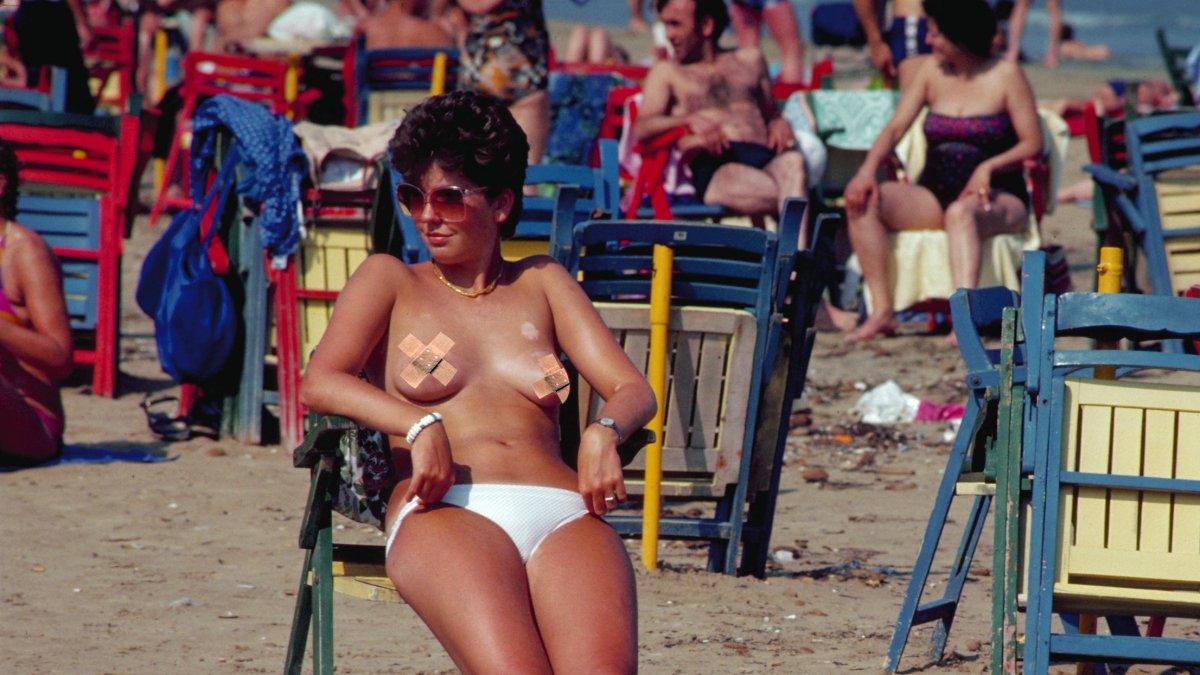Topless zonnen borsten