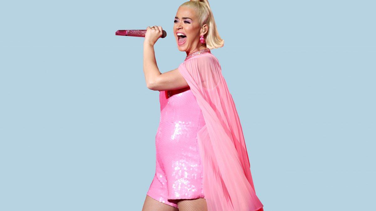 Katy Perry babybump